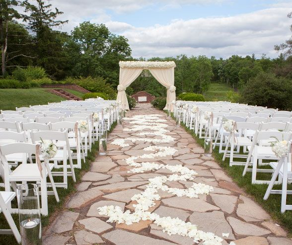 Set At Hamilton Farm Golf Club This Beautiful Outdoor Wedding Is The Perfect Mix Of