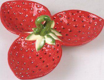 2 x Ceramic Strawberry Shaped Serving Plates