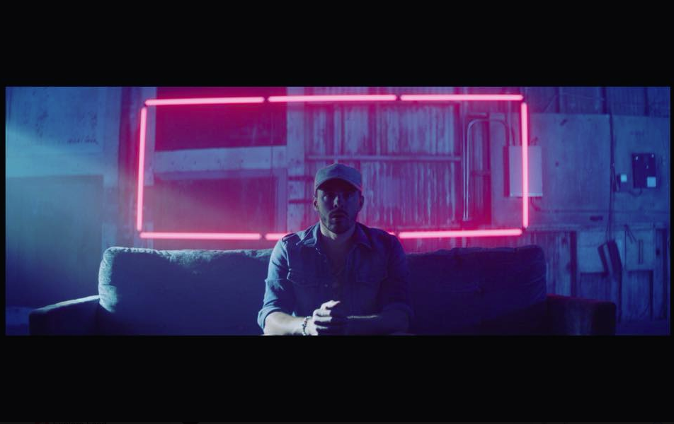 Pin By Micah Knapp On Creative Lighting Music Video Inspirations Inspirational Videos Music Videos Neon Signs