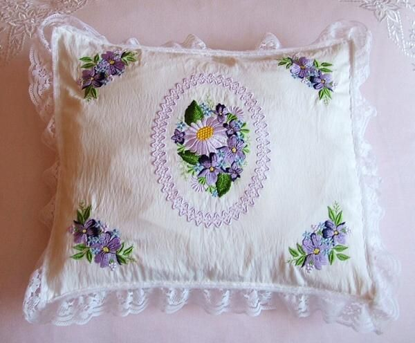 5x7 Violets 3 - Pattistudio | OregonPatchWorks. Very pretty and delicate