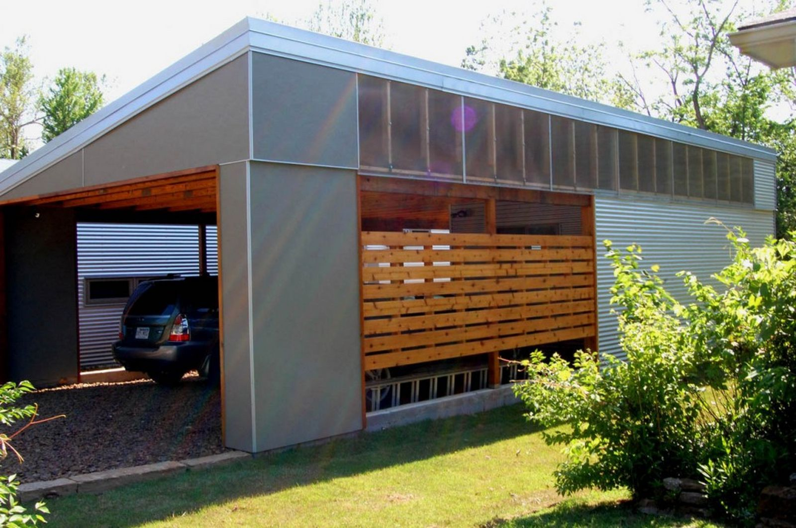 For those who are looking for something a little different for Garage with carport designs