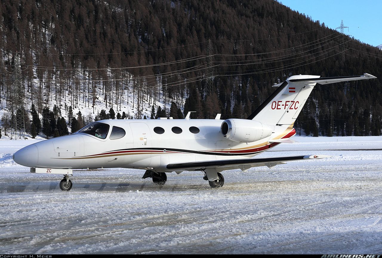 Cessna 510 Citation Mustang, GlobeAir, OE-FZC, cn 510-0196, built 2009 (Star Fly), GlobeAir delivered 3/2011. Foto: Samedan, Switzerland, 21.2.2016.