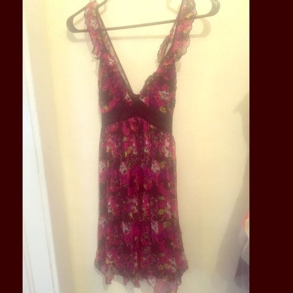 Floral Ruffled Bebe Dress Excellent condition! bebe Dresses Mini