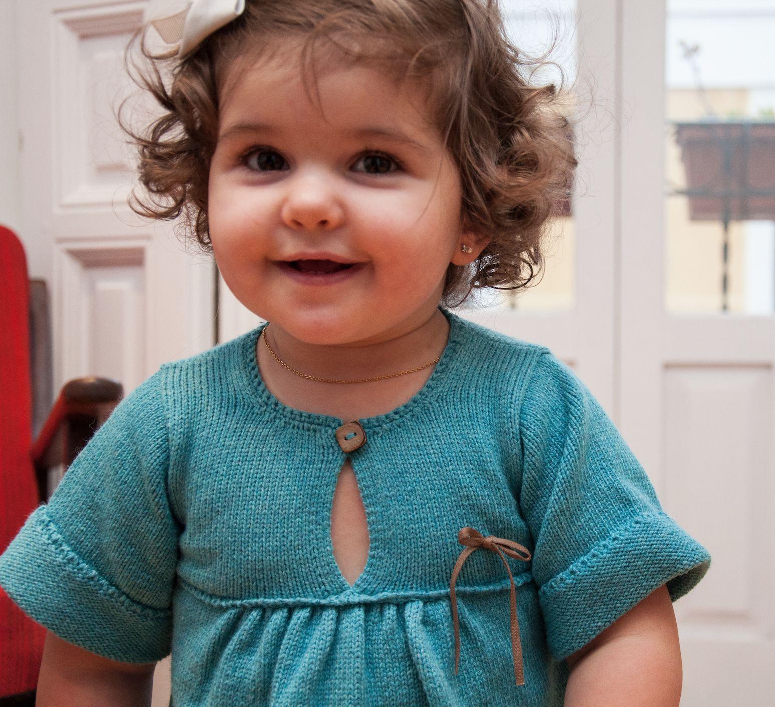 Aitana wears Aigua dress. She is beauty.