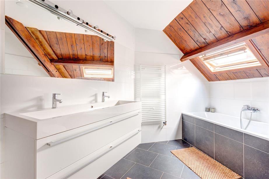 Badkamer Opnieuw Betegelen : Kleine ingreep: vloer en badwand opnieuw betegelen mozaiek.com