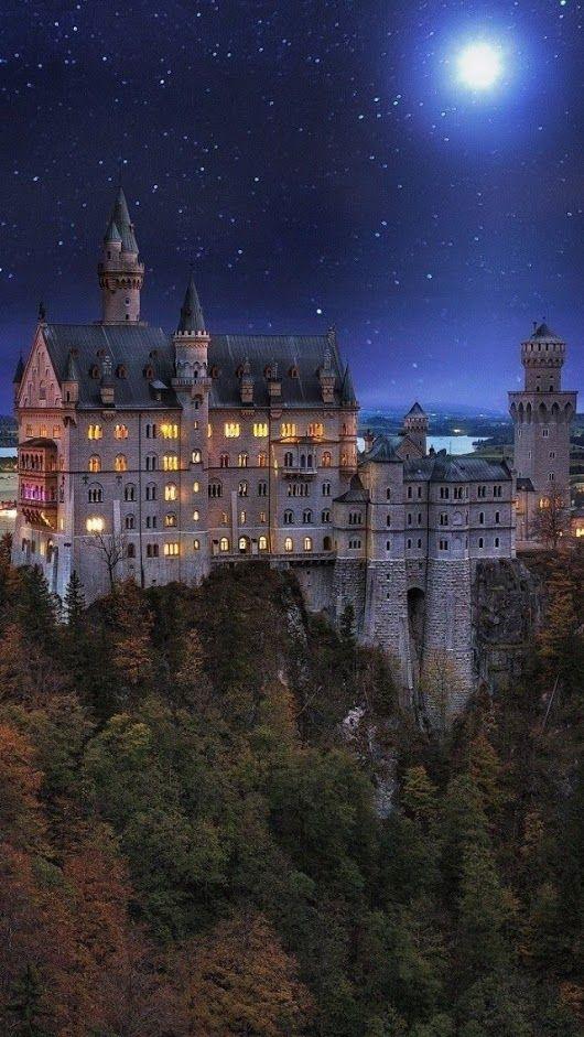 Schloss Neuschwanstein Hohenschwangau Bei Fussen Im Bayerischen Allgau Deutschland Neuschwanstein Castle Germany Castles Castle Bavaria
