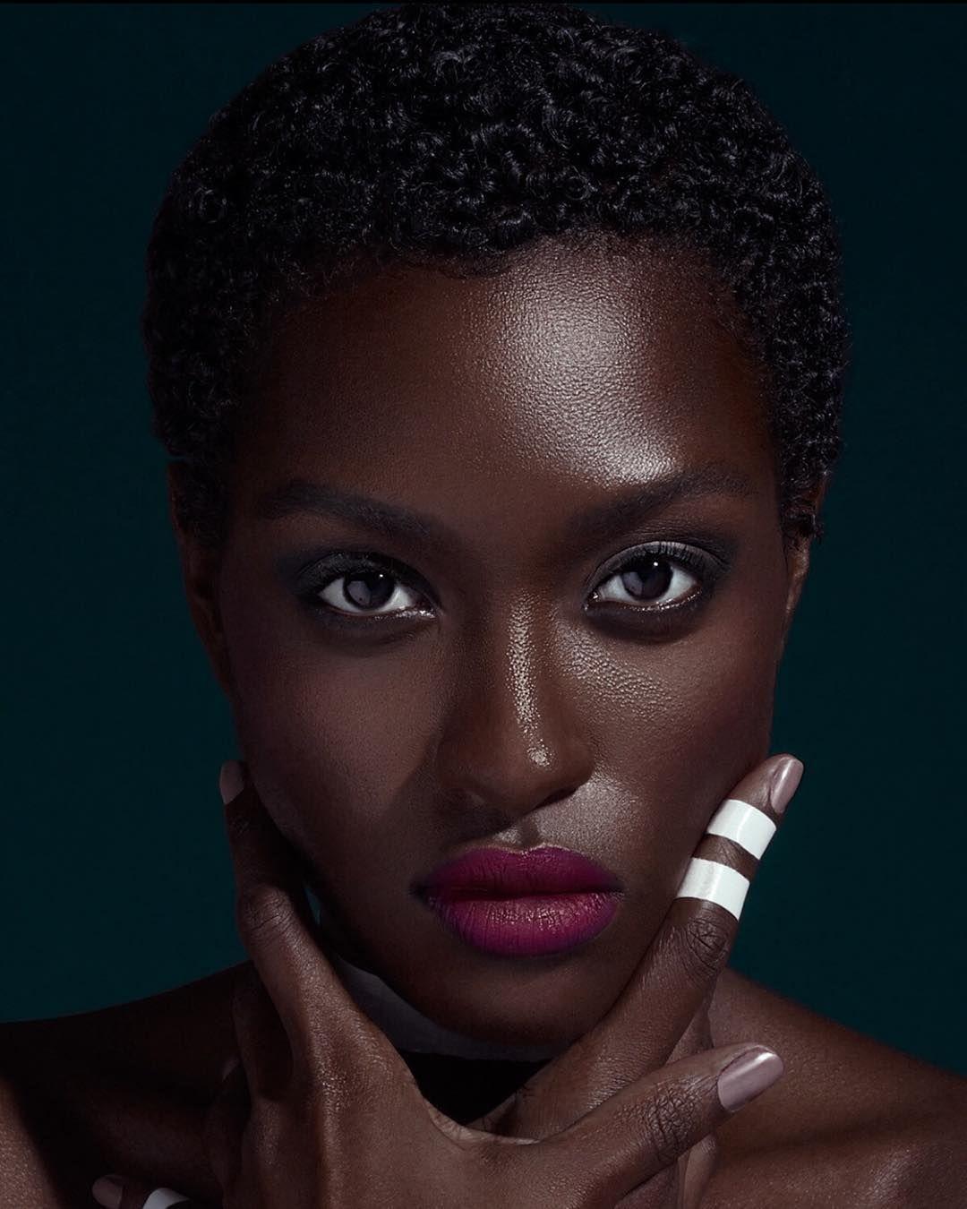 Cheveux courts cr pus afro naturels carnation peau pinterest cheveux courts afro et cheveux - Carnation de peau ...