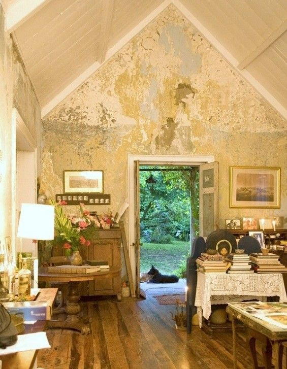 Rustic plaster wall finish, Island Outpost