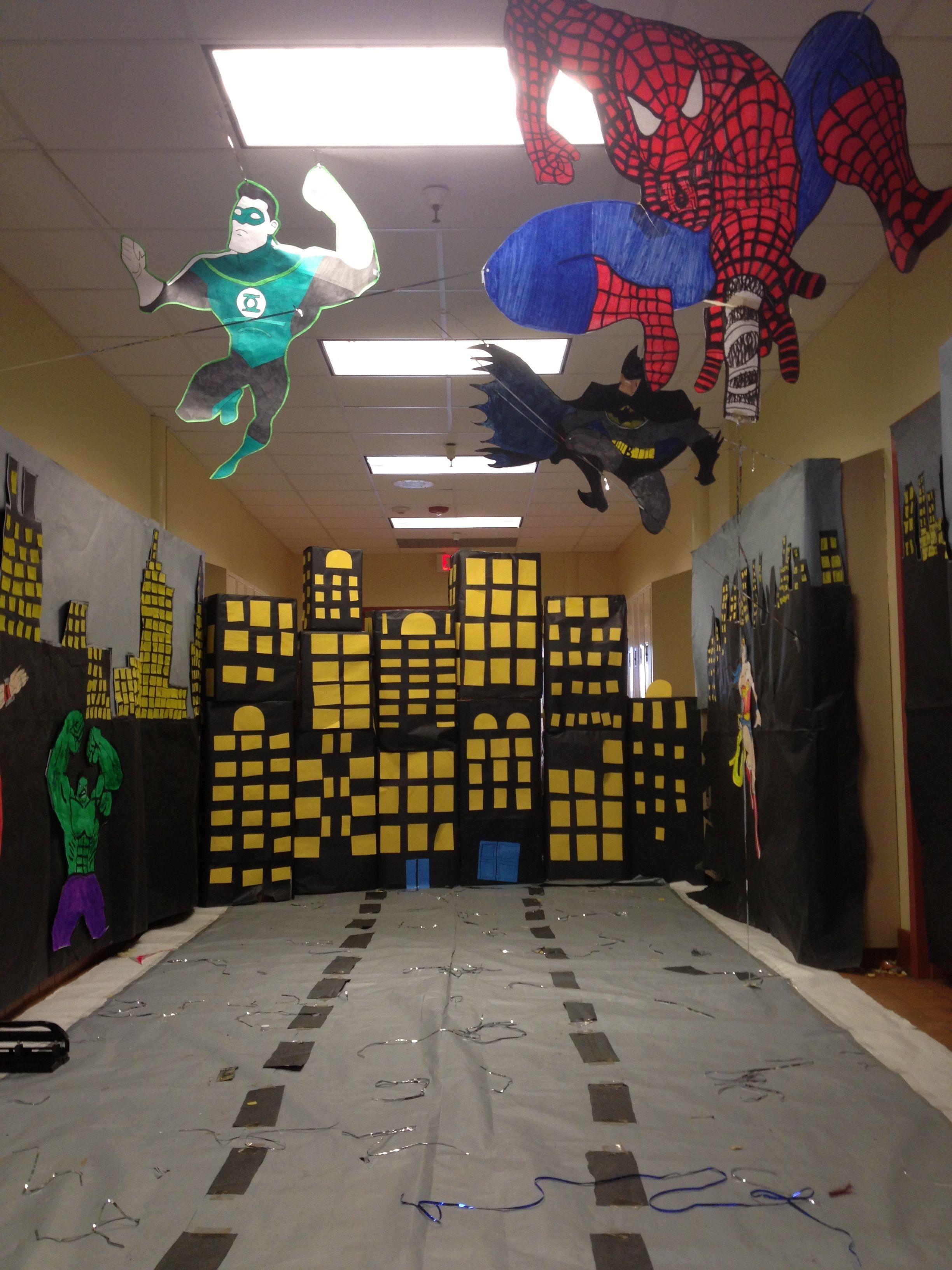Hopi high school homecoming 2013 hallway decoration for Halloween dance floor ideas