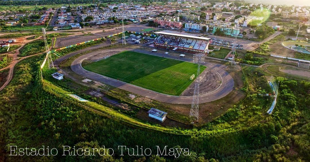 #TorneoClausura2016 en el #RicardoTulioMaya l#SomosAngosturaFC #dronerosdeVenezuela #tradicionbolivarence #historia #aereo #drone #IGERSVENEZUELA  #inspire #IGERSGUAYANA #djiglobal