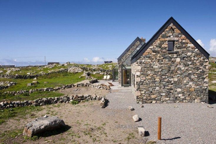 Architect Visit An Irish Stone Stable In A Dramatic Landscape Gardenista Stone Cottages Ireland Cottage Stone Cottage