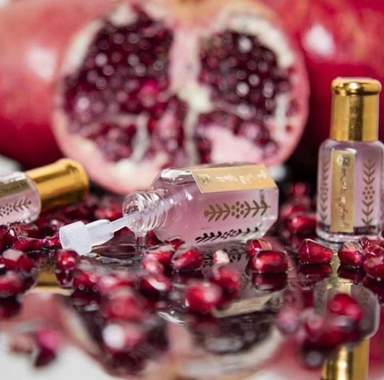 خصم لفترة محدودة مسك الرمان محمد القرشي الصفوة للعود والعطور Book Perfume Fragrances Perfume Women Perfume