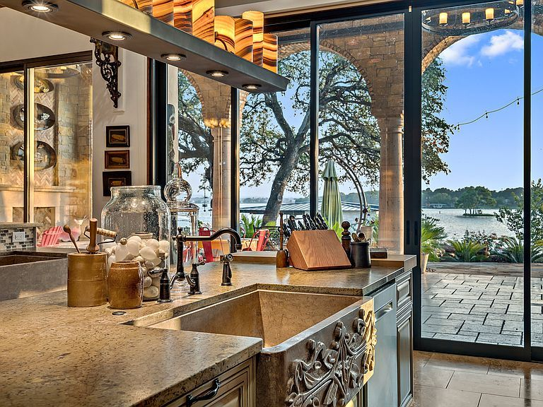 113 Wilderness Dr E On Marble Falls Tx 78654 Mls 148944 Zillow Parade Of Homes Marble Falls Zillow