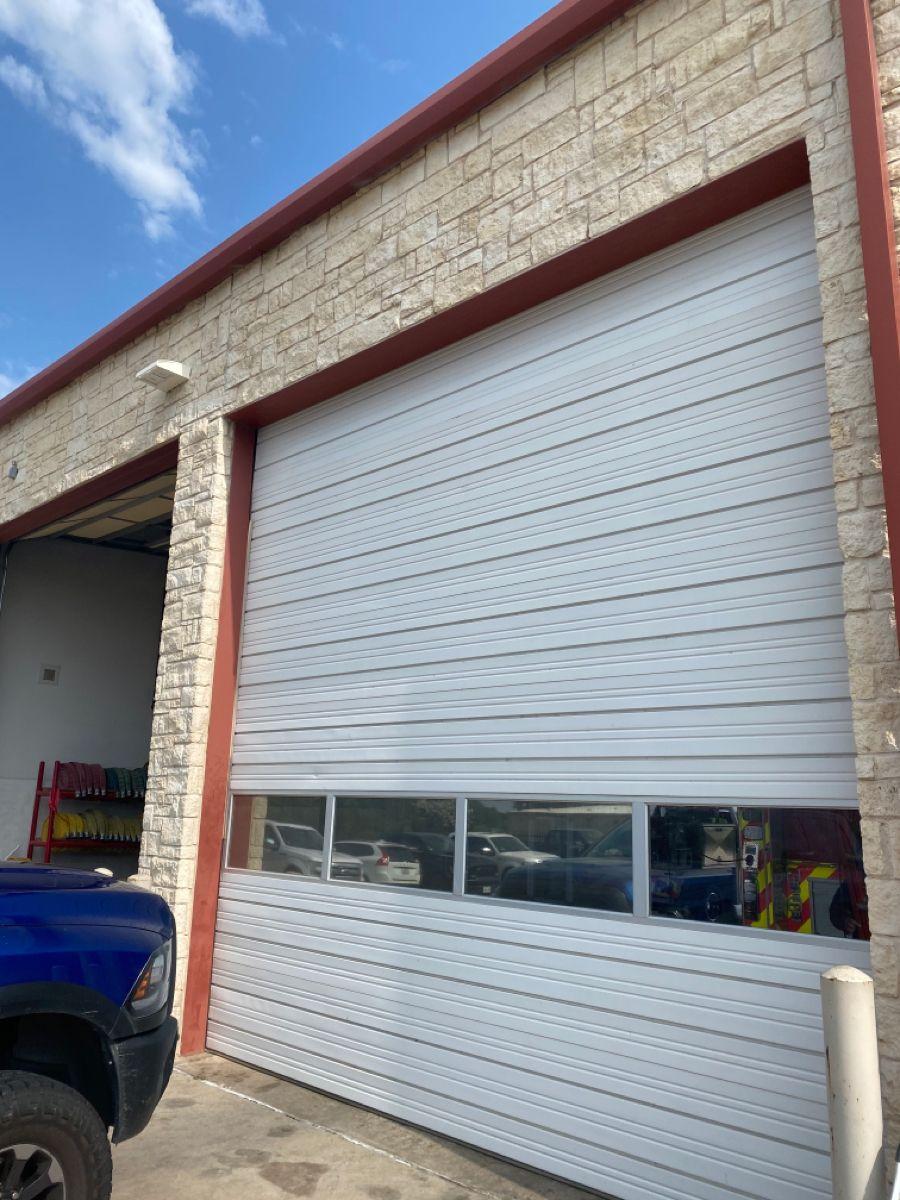 Top Panel Replacement In 2020 Door Repair Garage Door Installation Garage Door Repair