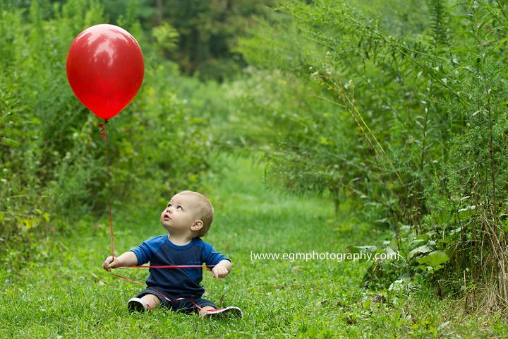 First birthday photos - going to do this for Harper every year. #of balloons = #of years