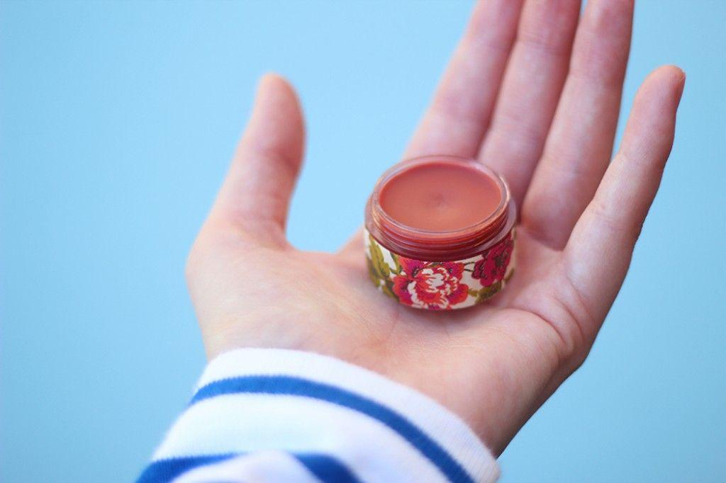 DIY : mon baume à lèvres teinté fait maison   Baume à lèvre teinté, Baume à lèvres, Baume