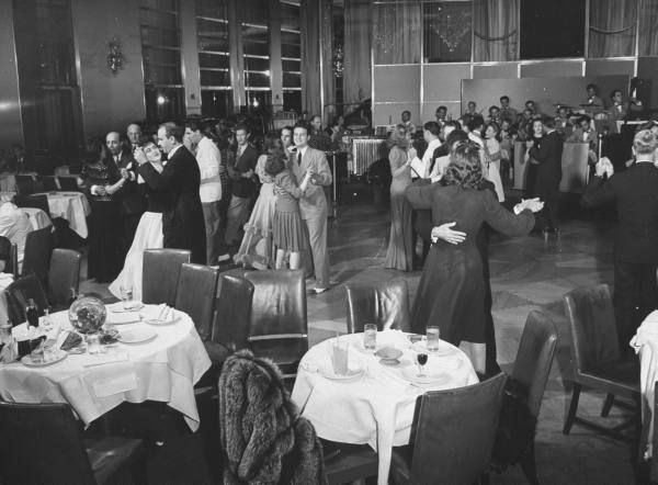 Dancing In The Rainbow Room Late 1940s 1940s Supper