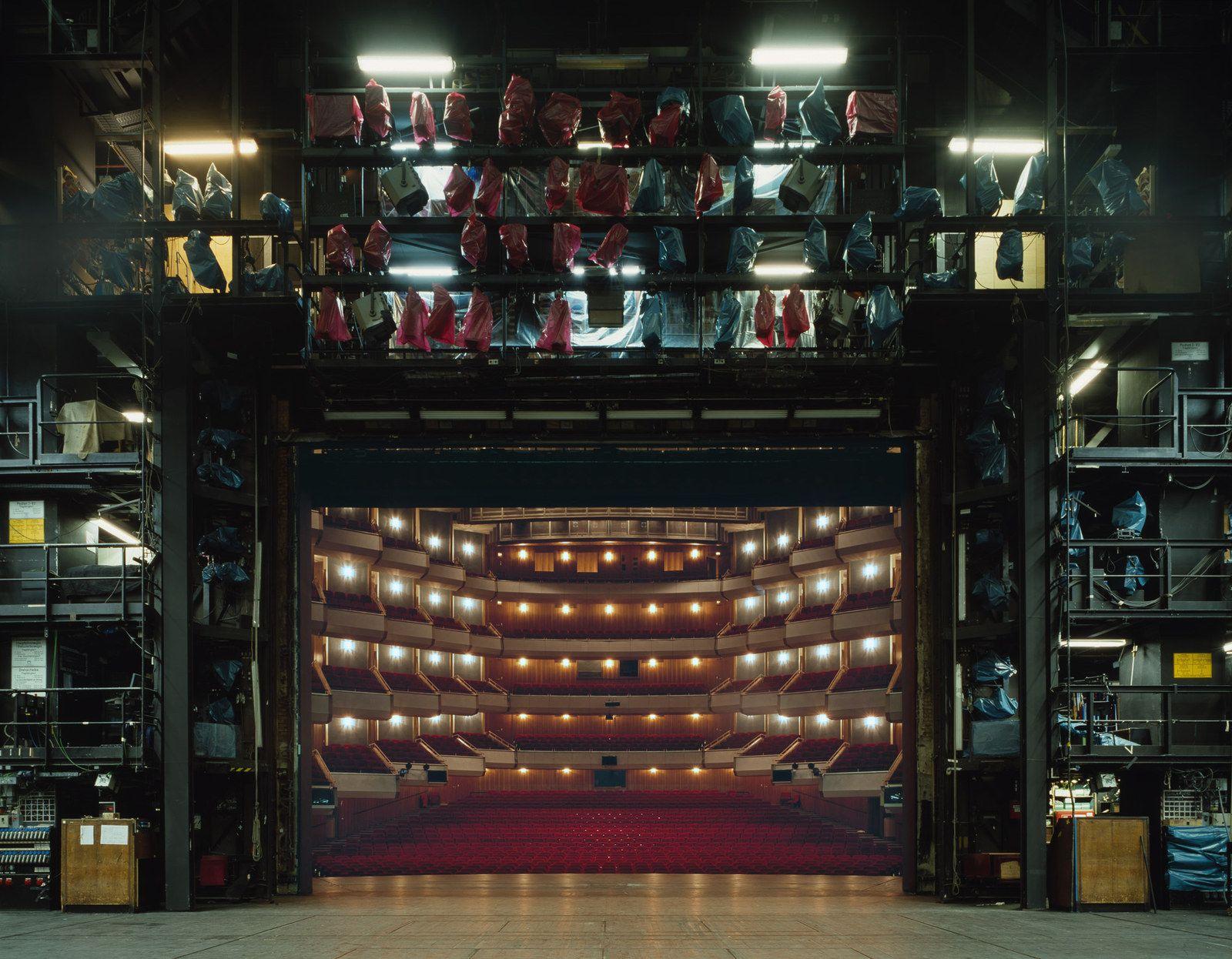 Hamburg State Opera, Hamburgo | LA CUARTA PARED | Escenario ...