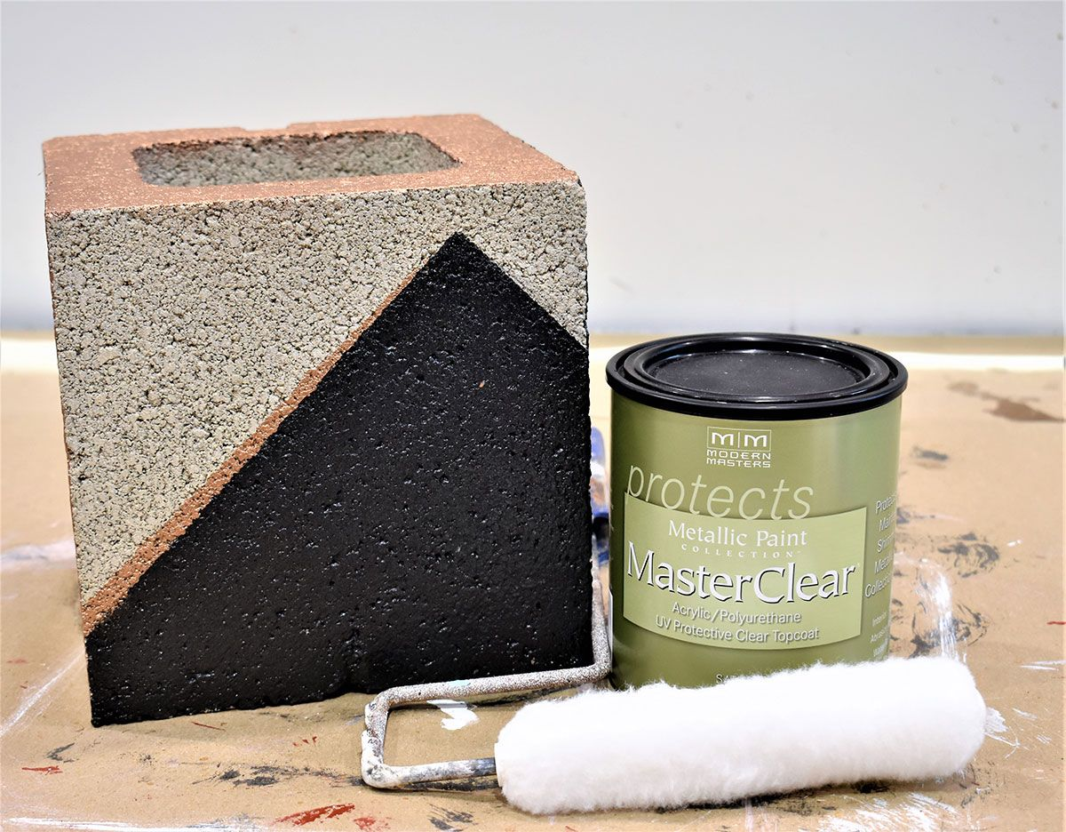 Creating Gorgeous Painted Concrete Blocks With Modern Masters Metallic Paints Masterclear Topcoat And A Geometric Modern Masters Succulent Planter Diy Modern