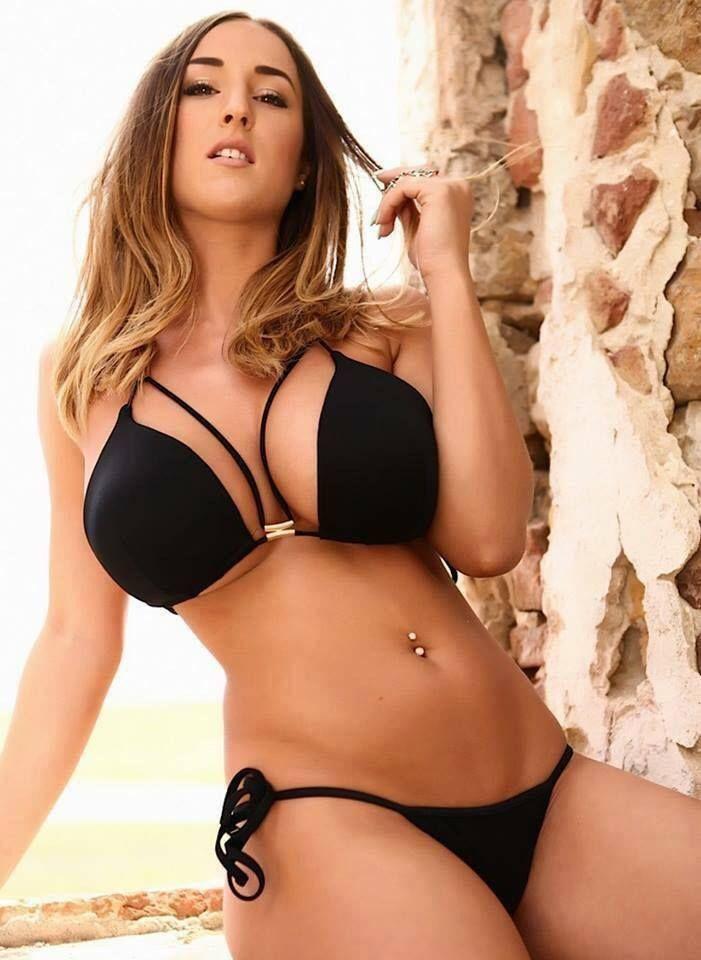 erotic soccer Sexy girls bikini