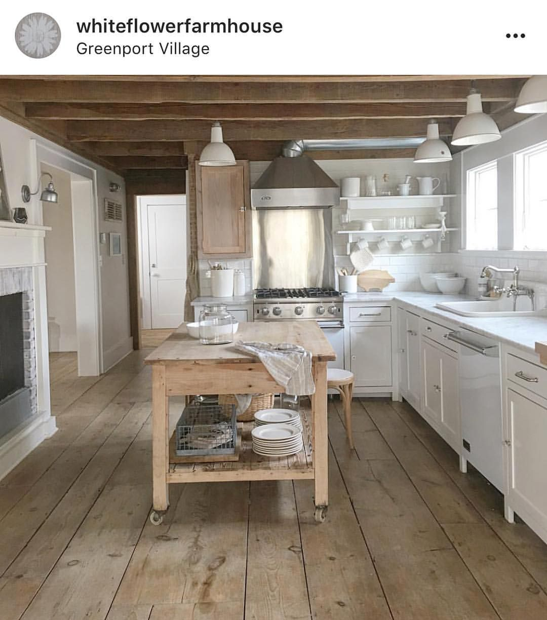 One of my favorite kitchens on instagram is