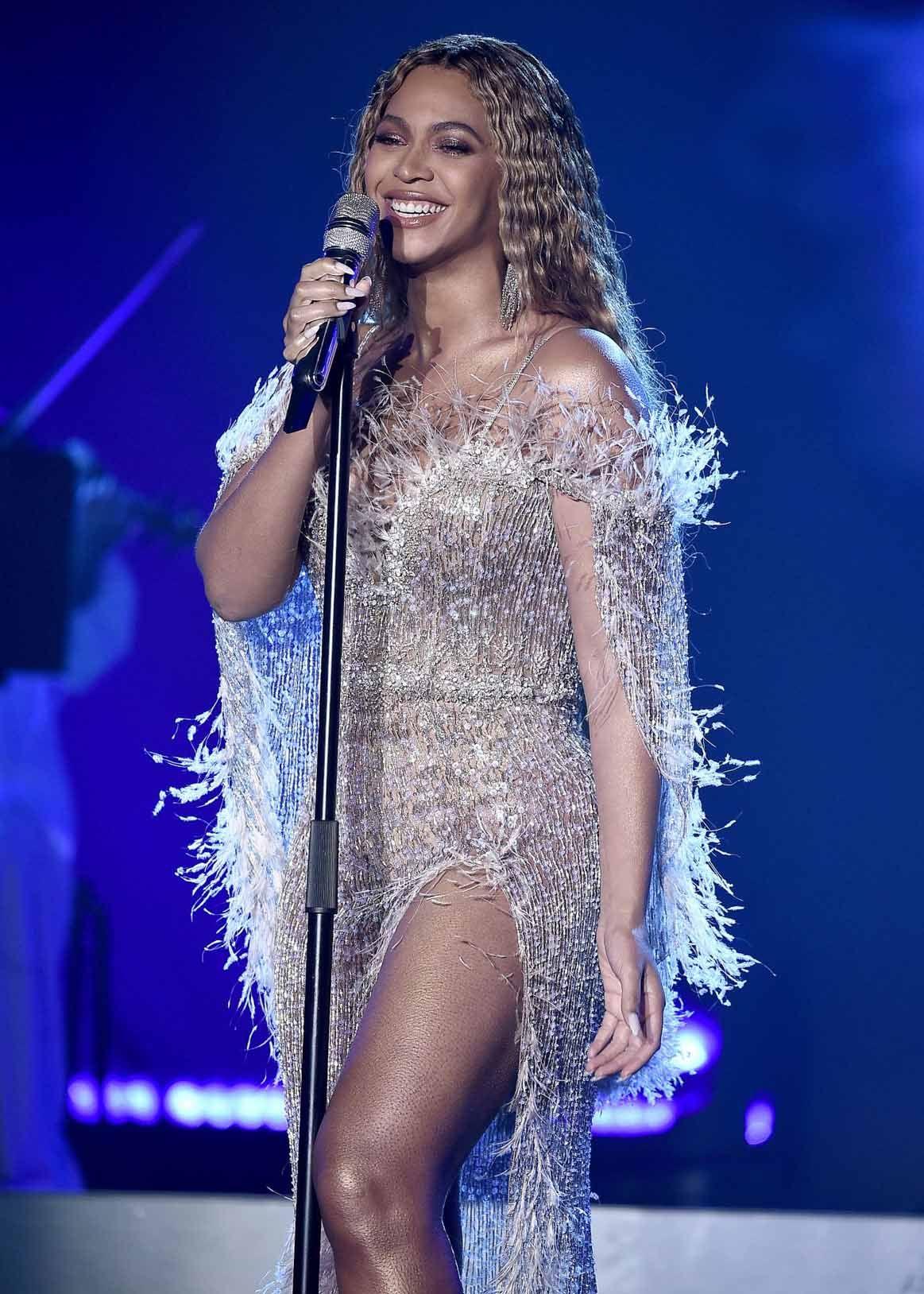Pin by NikklaDesigns on Beyoncé Wallpaper   Beyonce