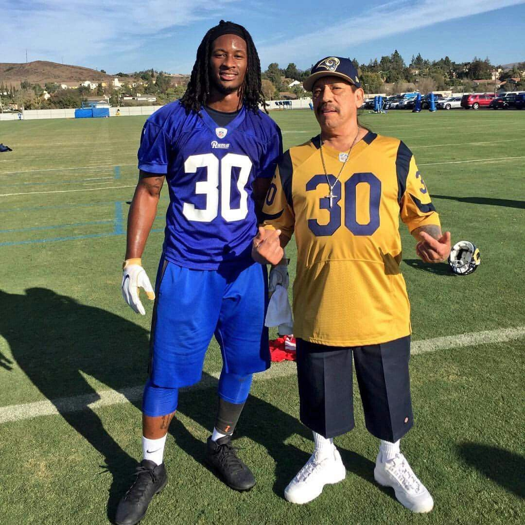 Gurley And Machete Todd Gurley St Louis Rams La Rams