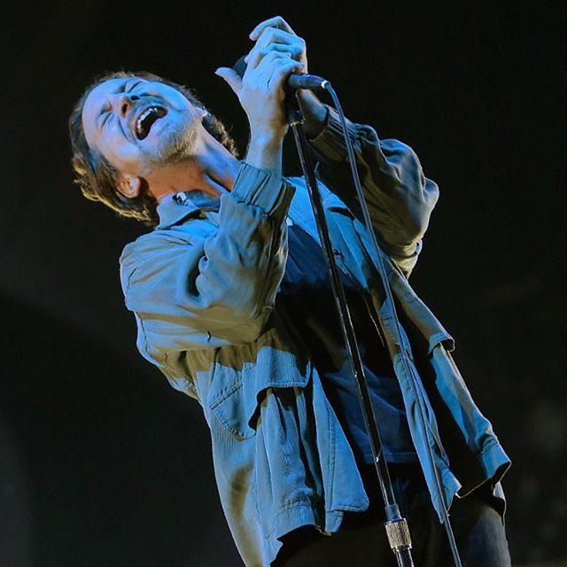 Pearl Jam - Estadio National - Santiago, RM on 11/4/2015 - 1836 photos, pictures and videos on CrowdAlbum