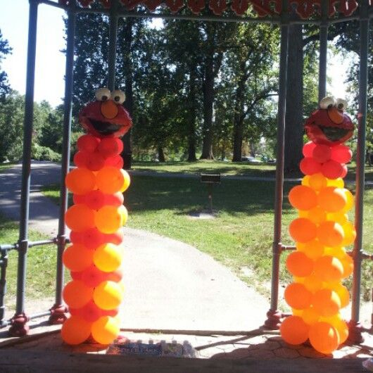 7ft tall #elmo #ballooncolumns #party #sesamestreet