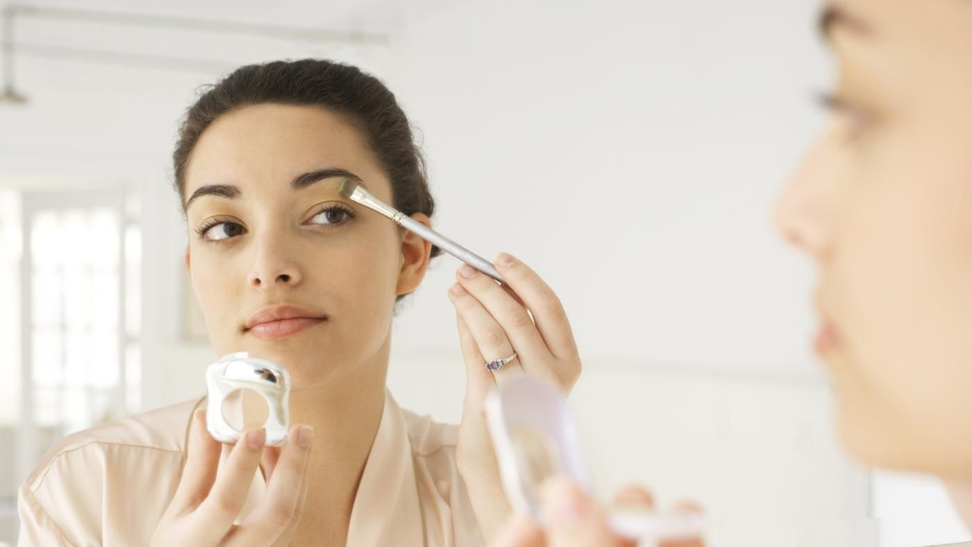 How You Should Wear Makeup After Eye Surgery Beauty Hacks Beauty Routines How To Apply Makeup