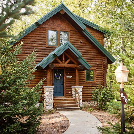 Choose The Best Material For Your Home S Exterior With Our Guide To Siding Options Log Homes Exterior Log Cabin Exterior House Siding Options