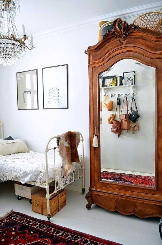 Dormitorio con muebles vintage dormitorio bedroom muebles muebles vintage y dormitorios - Armarios clasicos dormitorio ...