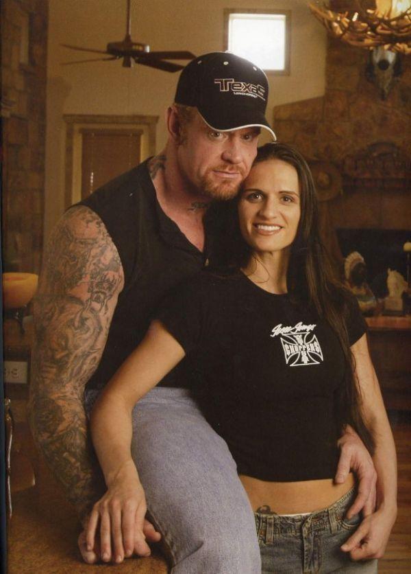 The Undertaker His Former Wife Sara Undertaker Wwe Wrestling