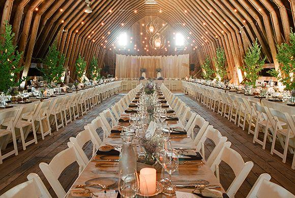 pitkät pöydät