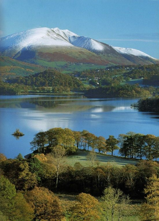 Derwentwater Of Lake District National Park Borough Of Allerdale Cumbria England Lake District Scenery Beautiful Nature