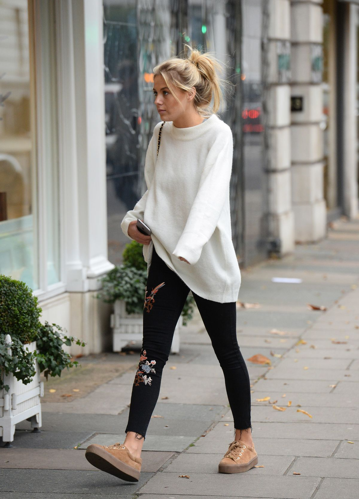 Under Shoppingoutfits 100 stylish super bowl outfits forecast to wear for winter in 2019