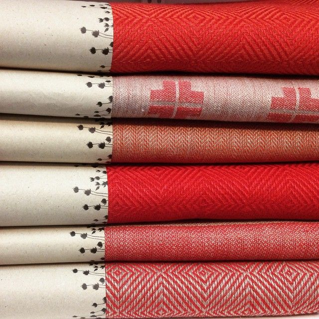 Red tablecloths in pure linen. Made in Sweden. Perfect for christmas or all year round.