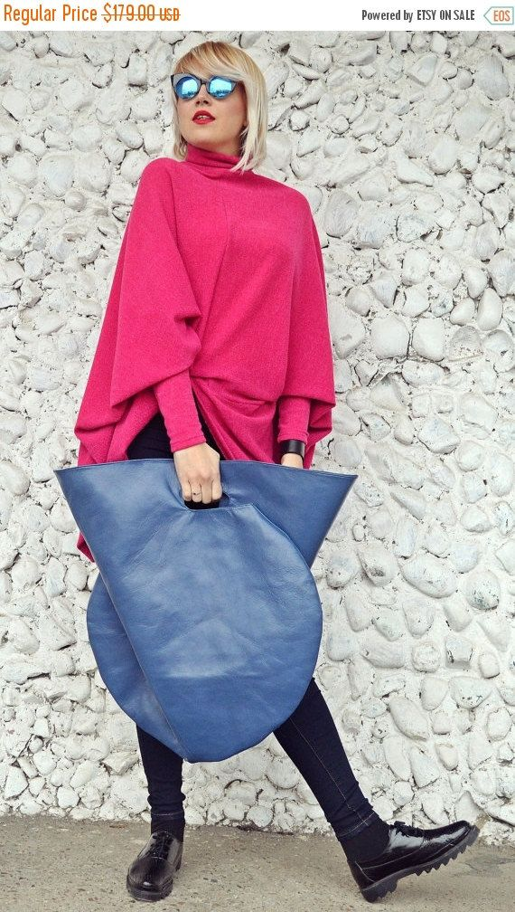 Blue petrol genuine leather bag, extravagant and so easy to wear. Large bag, versatile and fun that will jazz up your wardrobe and conquer the city!  Material: 100% genuine leather  Size: Height - 33.5 (85 cm) / Width: 23.6 (60 cm)
