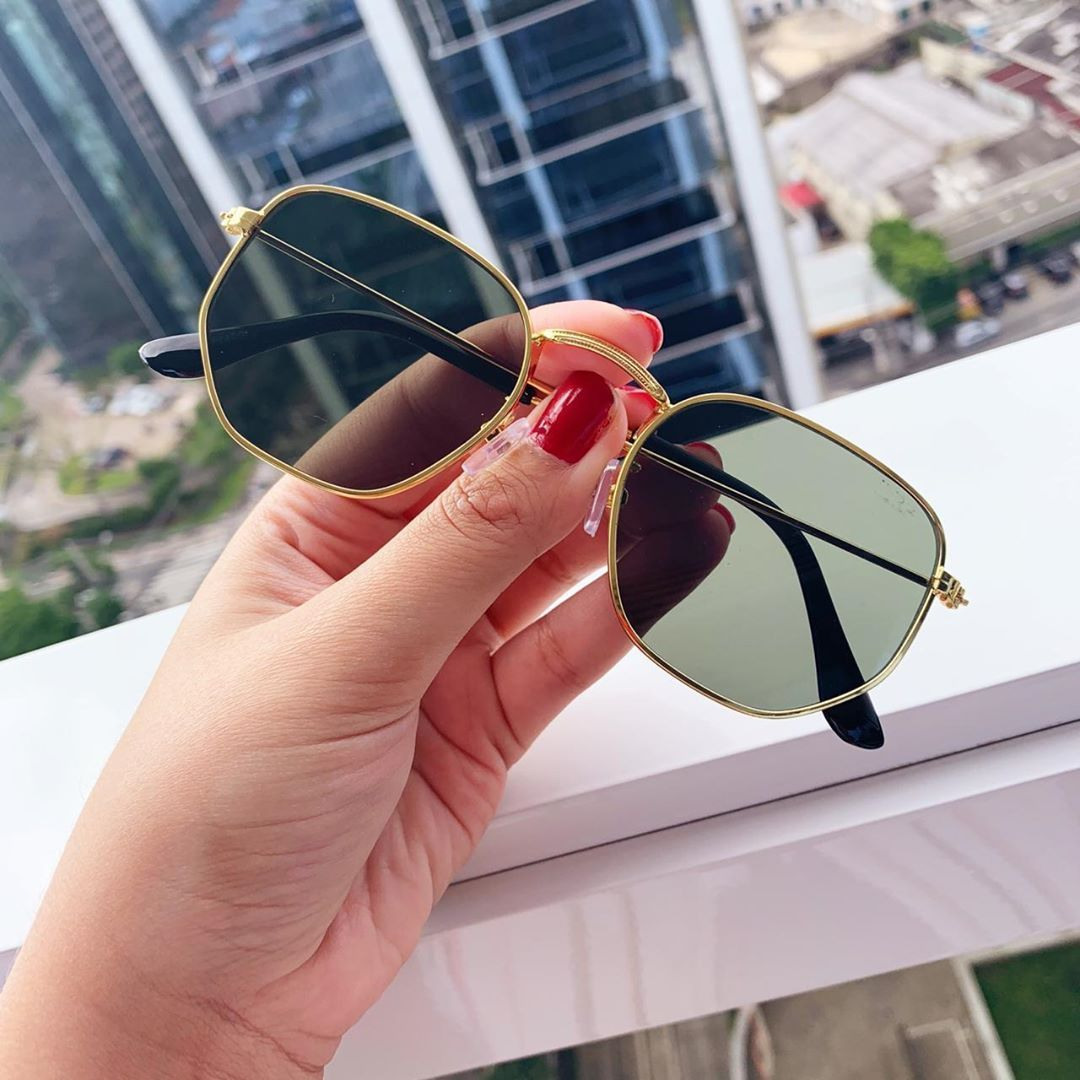 148b6fff8 Meninas, chegou reposição!!! Óculos Roma Flat 💰 R$99 👓 PROTEÇÃO UV ...
