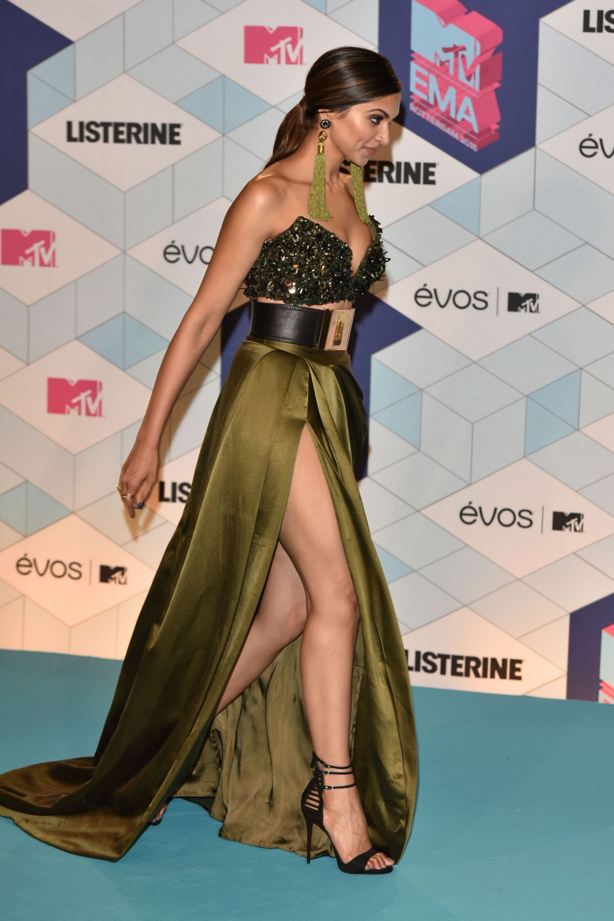 Deepika Padukone At 20th Annual Hollywood Film Awards In Beverly Hills 11 06 2016 Indian Actress Hot Pics Bollywood Actress Hot Photos Indian Bollywood Actress