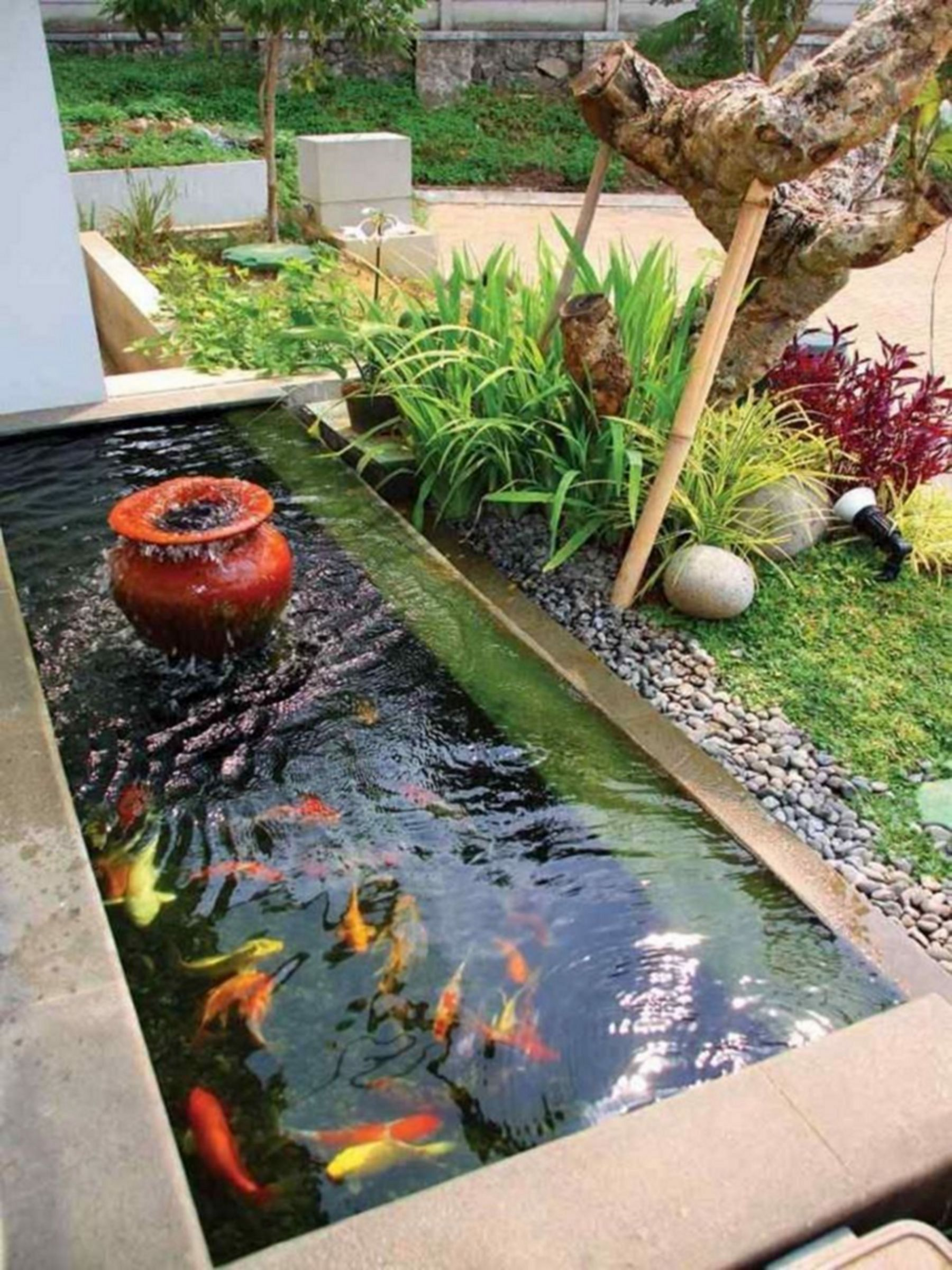 8 Minimalist Fish Pond Design To Beautify Your Home Fish Ponds Backyard Fish Pond Gardens Backyard Landscaping Designs