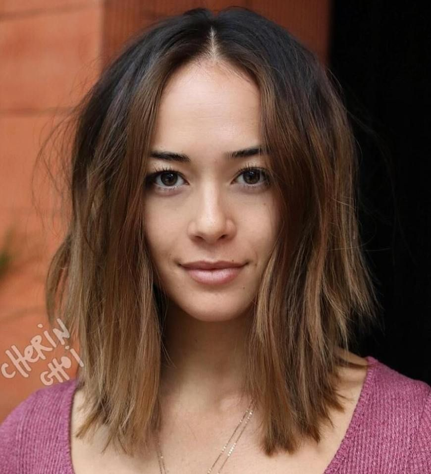 20 best hairstyles for big foreheads to enhance your