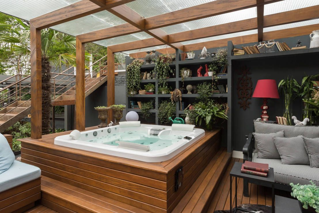jacuzzi en exterior 10 ideas fabulosas patios pinterest spa jacuzzi y moderno. Black Bedroom Furniture Sets. Home Design Ideas