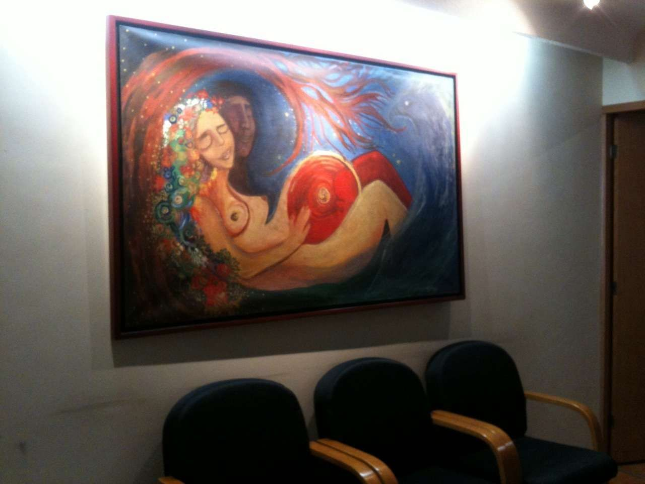 Natural birth in a ginecologist clinic