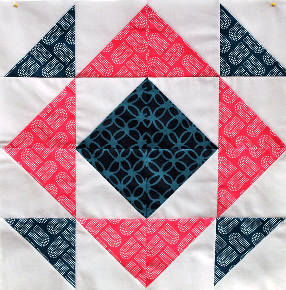 Block 4 | Circle quilts, Half square triangles and Patchwork : the quilt sampler - Adamdwight.com