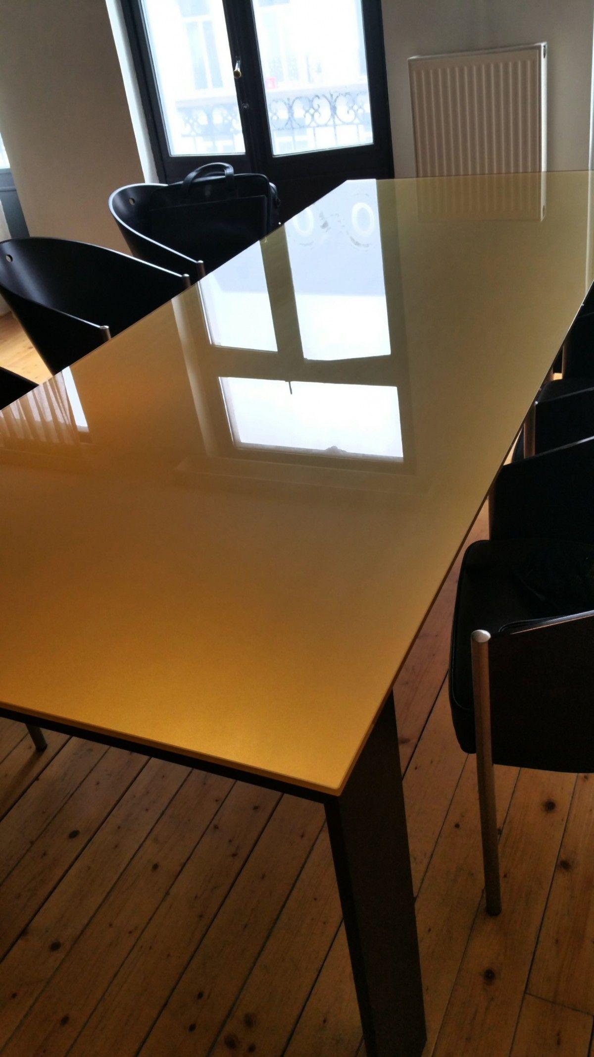Grande Table En Verre 3mx1m Pour 8 Personnes. Verre Effet