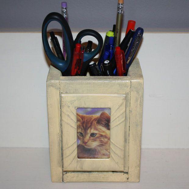 Pallet Photo Pencil Holder | Wood craft patterns, Pencil ...
