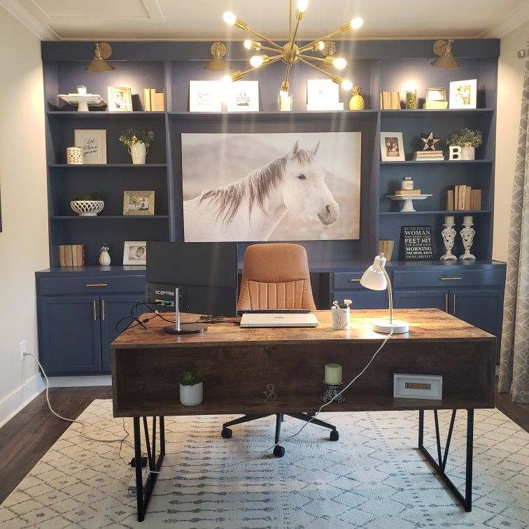 My hubby built me this amazing office. #Officedecor #farmhousedecor #modernfarmhouse.