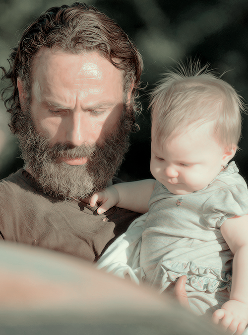"""Ikbhal Cute Babies: Rick & Judith Grimes 5x11 """"The Distance"""""""