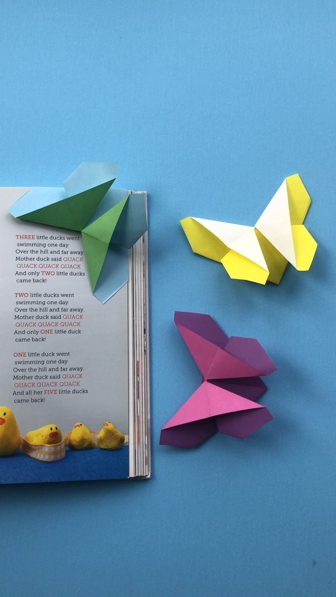 Oh my! What a cute Origami Butterfly for kids! Not only is it an easy paper butterfly pattern but it also doubles up as an origami butterfly bookmark corner! Cute! Lovely little paper gift for kids to make on Mother's Day or for a teacher!